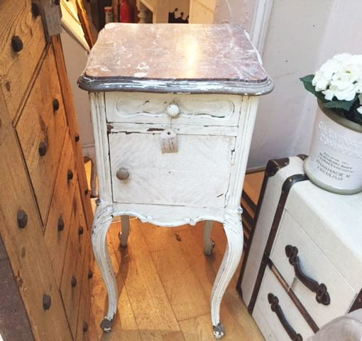 LMBD9-French-Painted-Pot-Cupboard