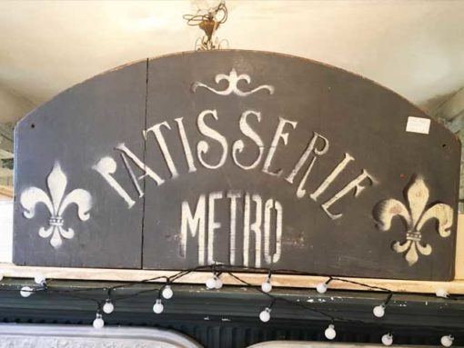 LMIS5-Patisserie-metro-sign