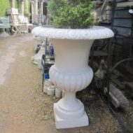 Cast Iron Urn LMGA18