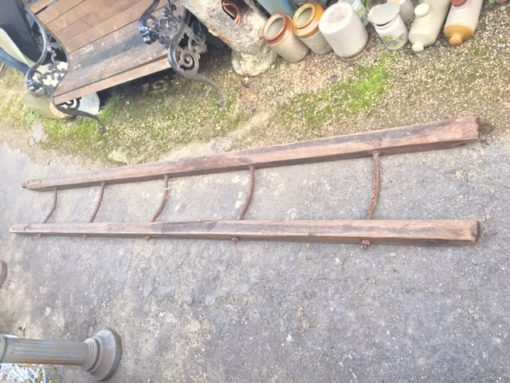 Vintage Barrel Ladder LMV7